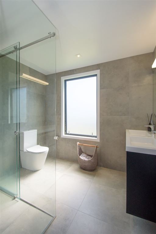The block nz winners brooke and mitch are selling their for Bathroom design queenstown