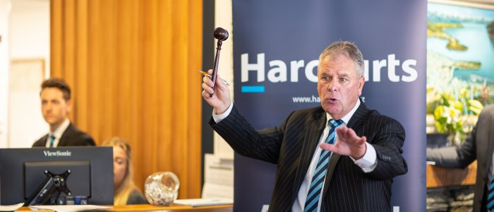 Queenstown-Property-Auction-Harcourts